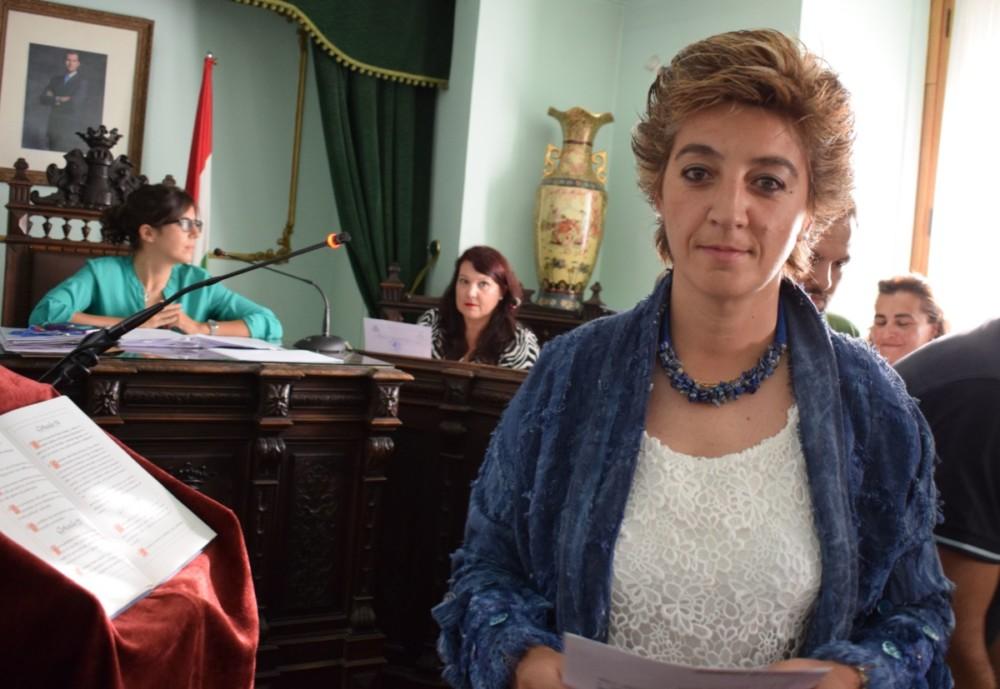 Susana Tubía tomó posesión de su cargo como concejala del Partido Popular.