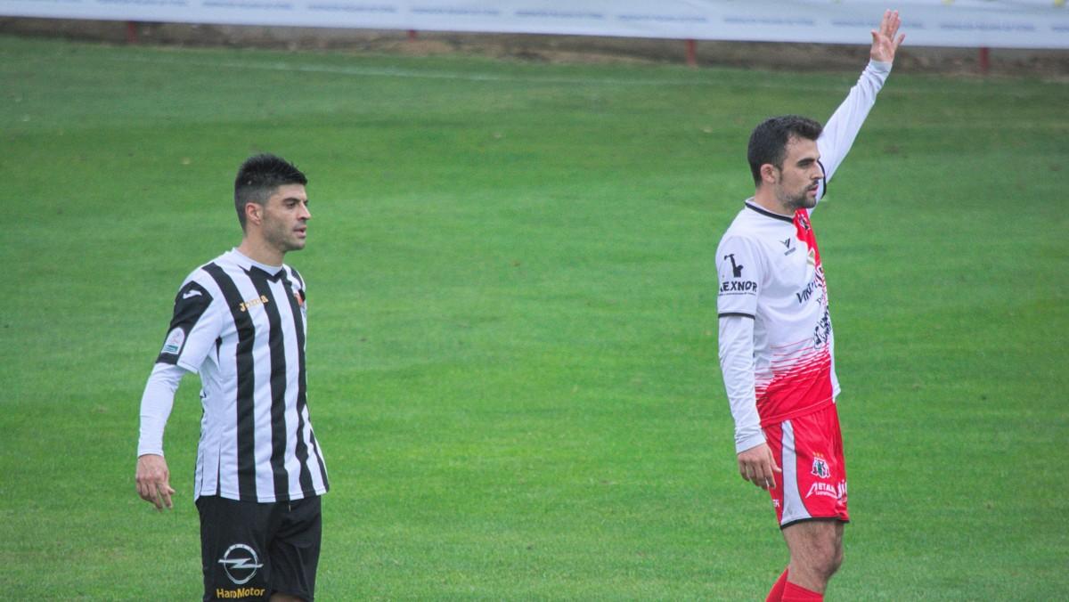 El Varea levanta la Copa Federación a costa del Haro 5