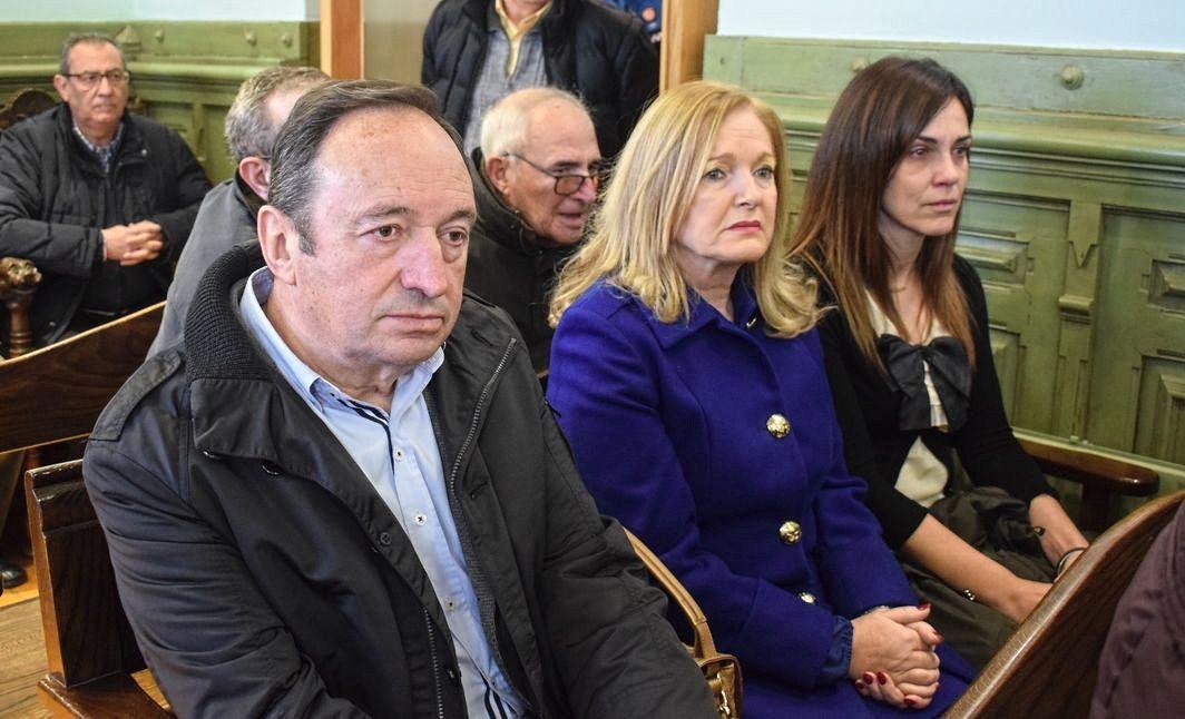 Pedro Sanz, Francisca Mendiola y Natalia Olarte.