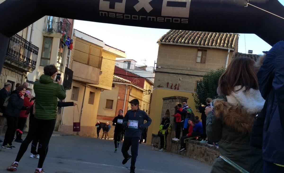 1.000 personas corren en Rodezno por las familias con niños con cáncer 10