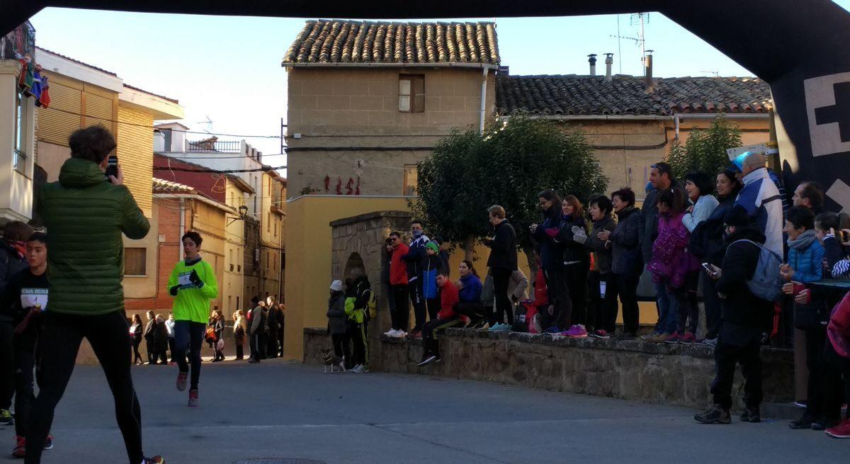 1.000 personas corren en Rodezno por las familias con niños con cáncer 9