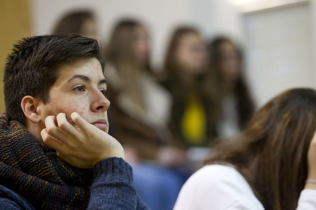 Las imágenes de la campaña informativa de la Universidad de La Rioja en el IES Ciudad de Haro 3