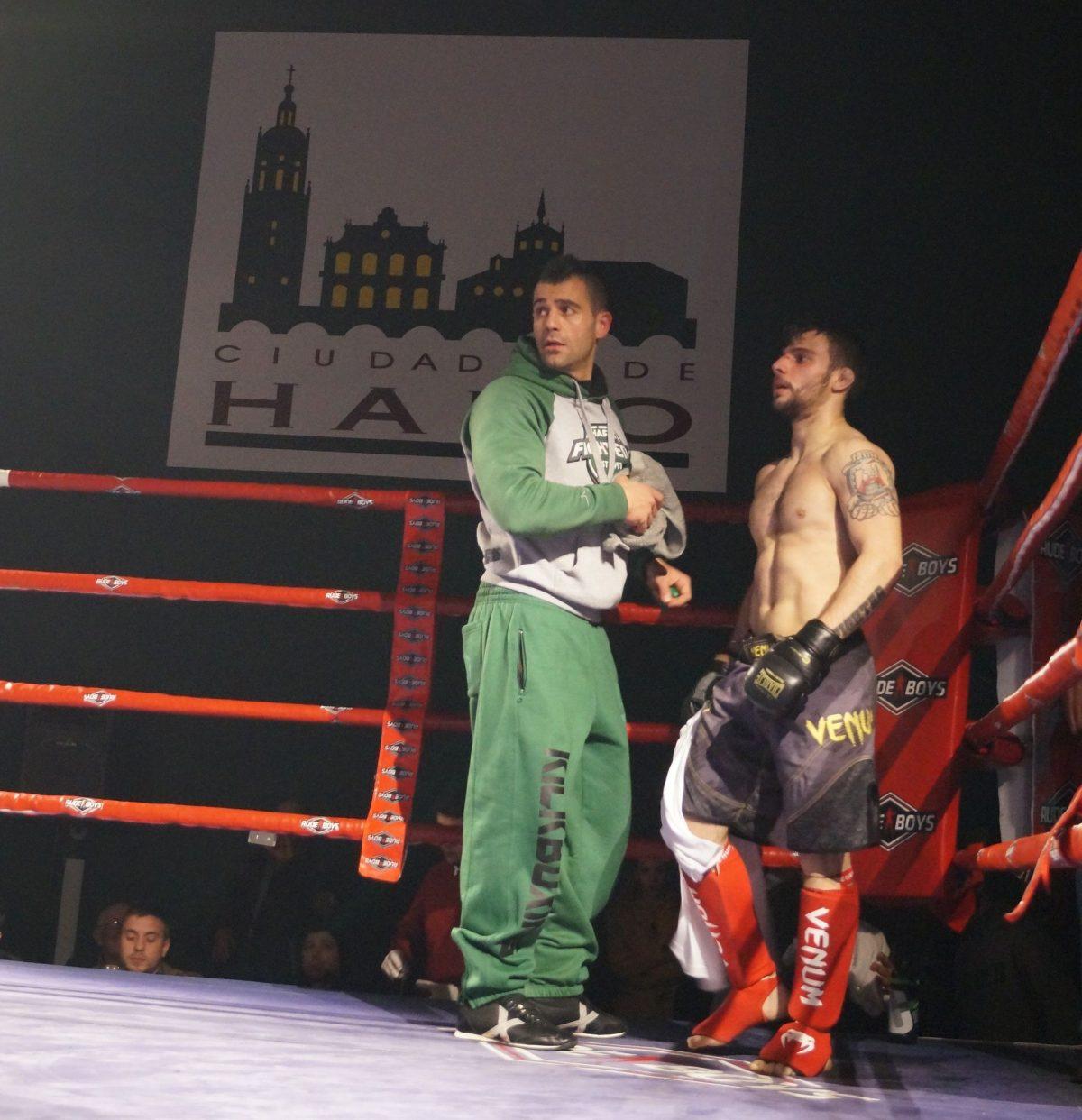 Ander Sánchez gana su combate ante una afición jarrera que animó a destajo 2