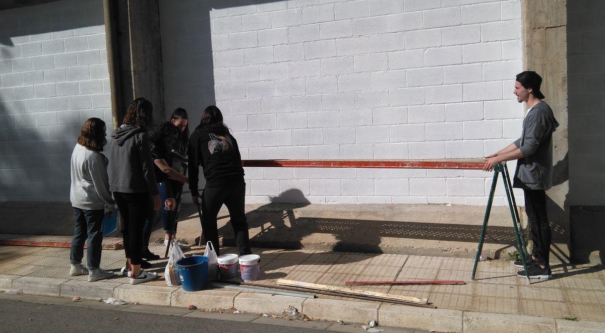 19 alumnos del IES Ciudad de Haro pintarán 14 murales de temática deportiva en el frontón de El Ferial 10