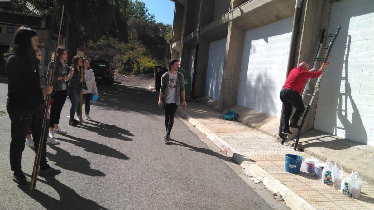 19 alumnos del IES Ciudad de Haro pintarán 14 murales de temática deportiva en el frontón de El Ferial 7
