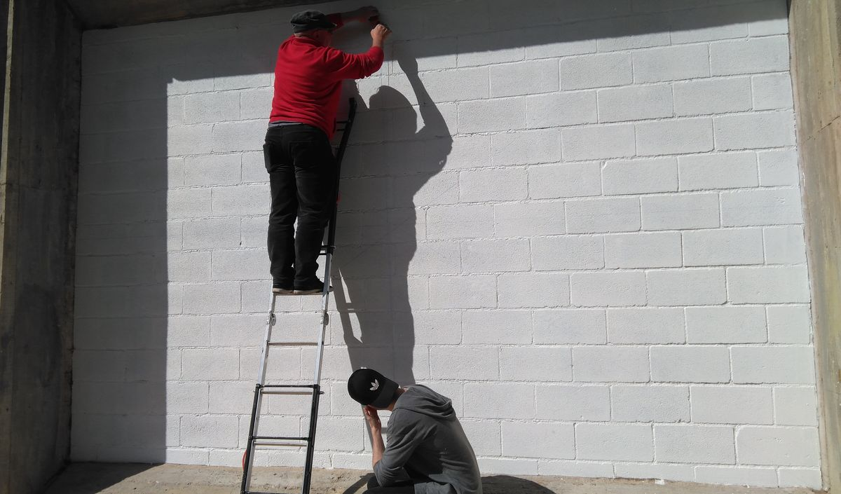 19 alumnos del IES Ciudad de Haro pintarán 14 murales de temática deportiva en el frontón de El Ferial 8
