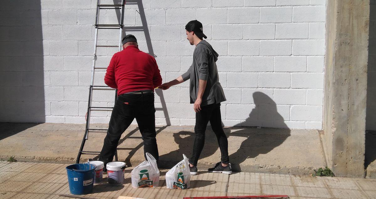 19 alumnos del IES Ciudad de Haro pintarán 14 murales de temática deportiva en el frontón de El Ferial 9
