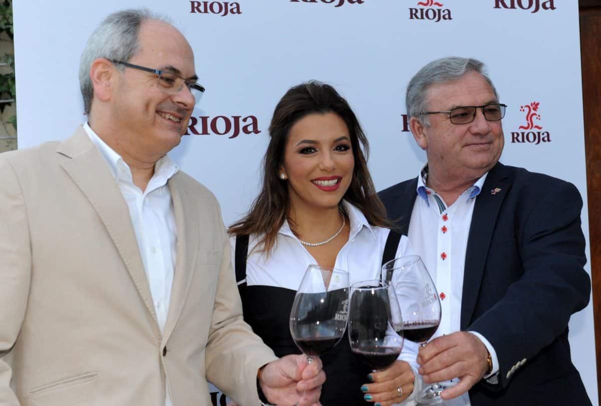 Eva Longoria cumple su promesa y visita la DOC Rioja 2