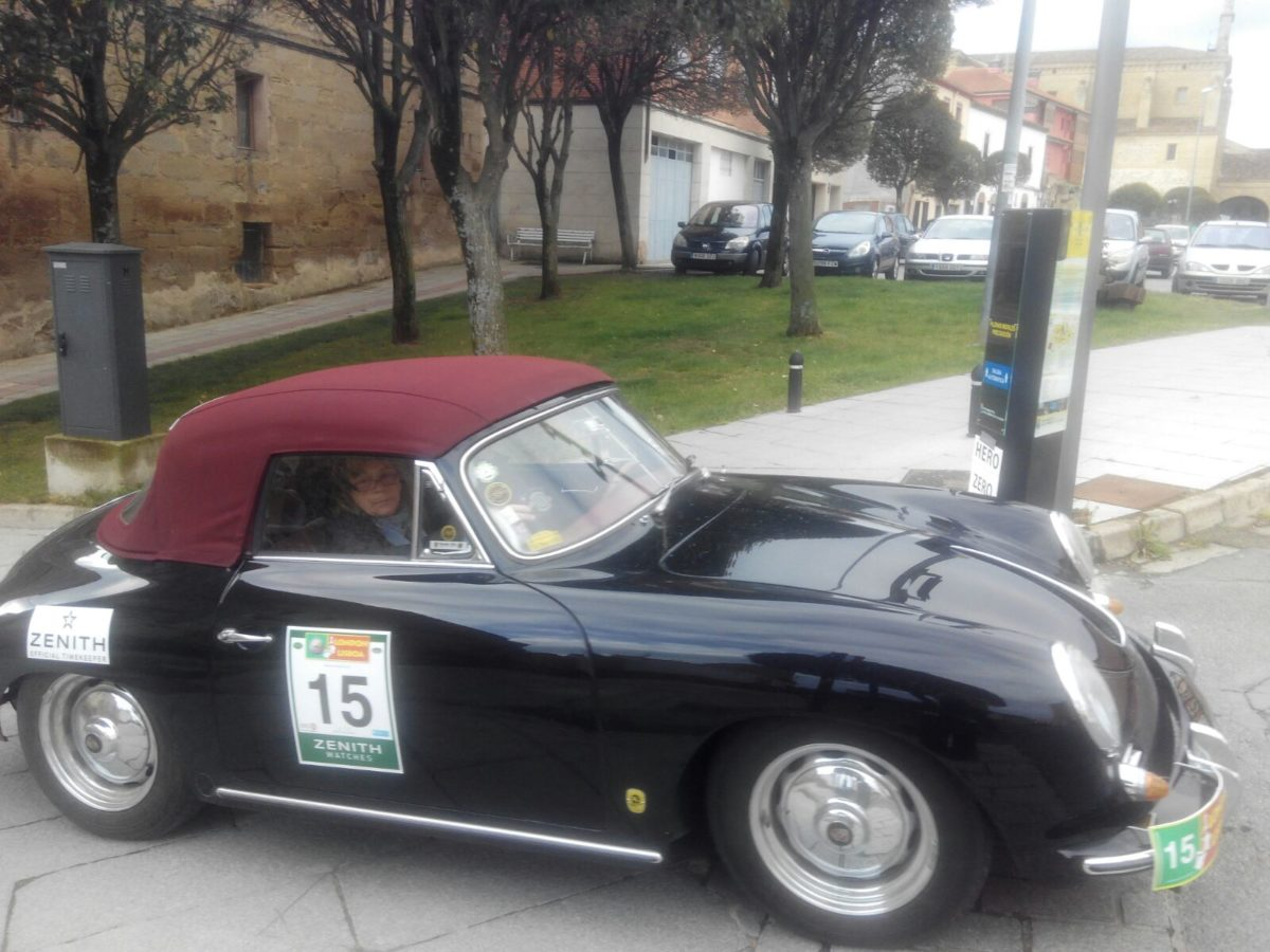 La prueba de coches clásicos Londres-Lisboa llega a Santo Domingo de La Calzada 13
