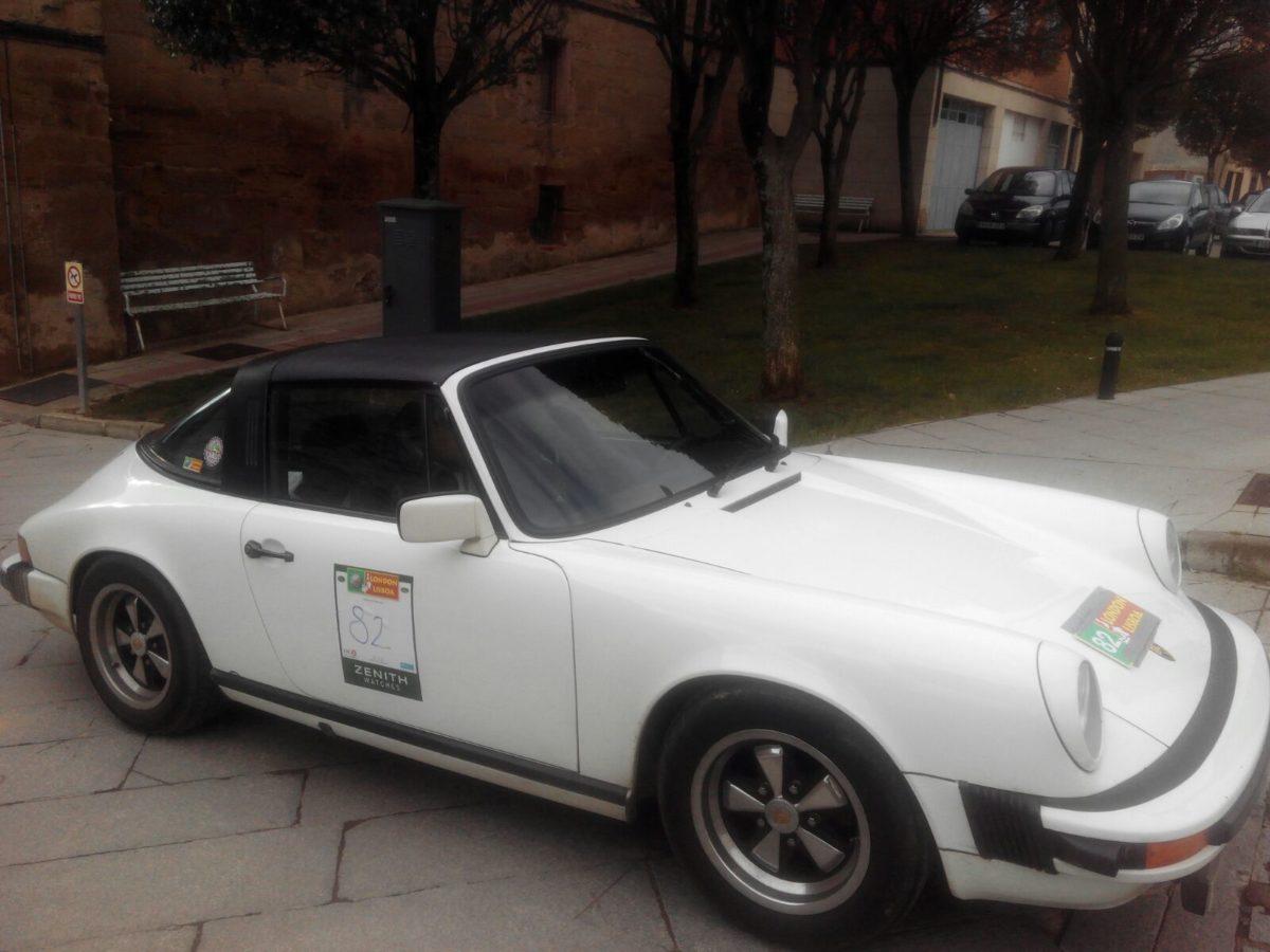 La prueba de coches clásicos Londres-Lisboa llega a Santo Domingo de La Calzada 15