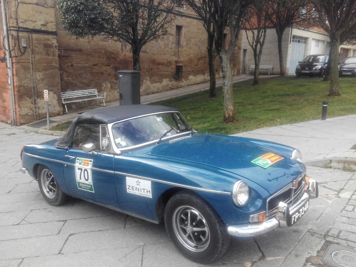 La prueba de coches clásicos Londres-Lisboa llega a Santo Domingo de La Calzada 18