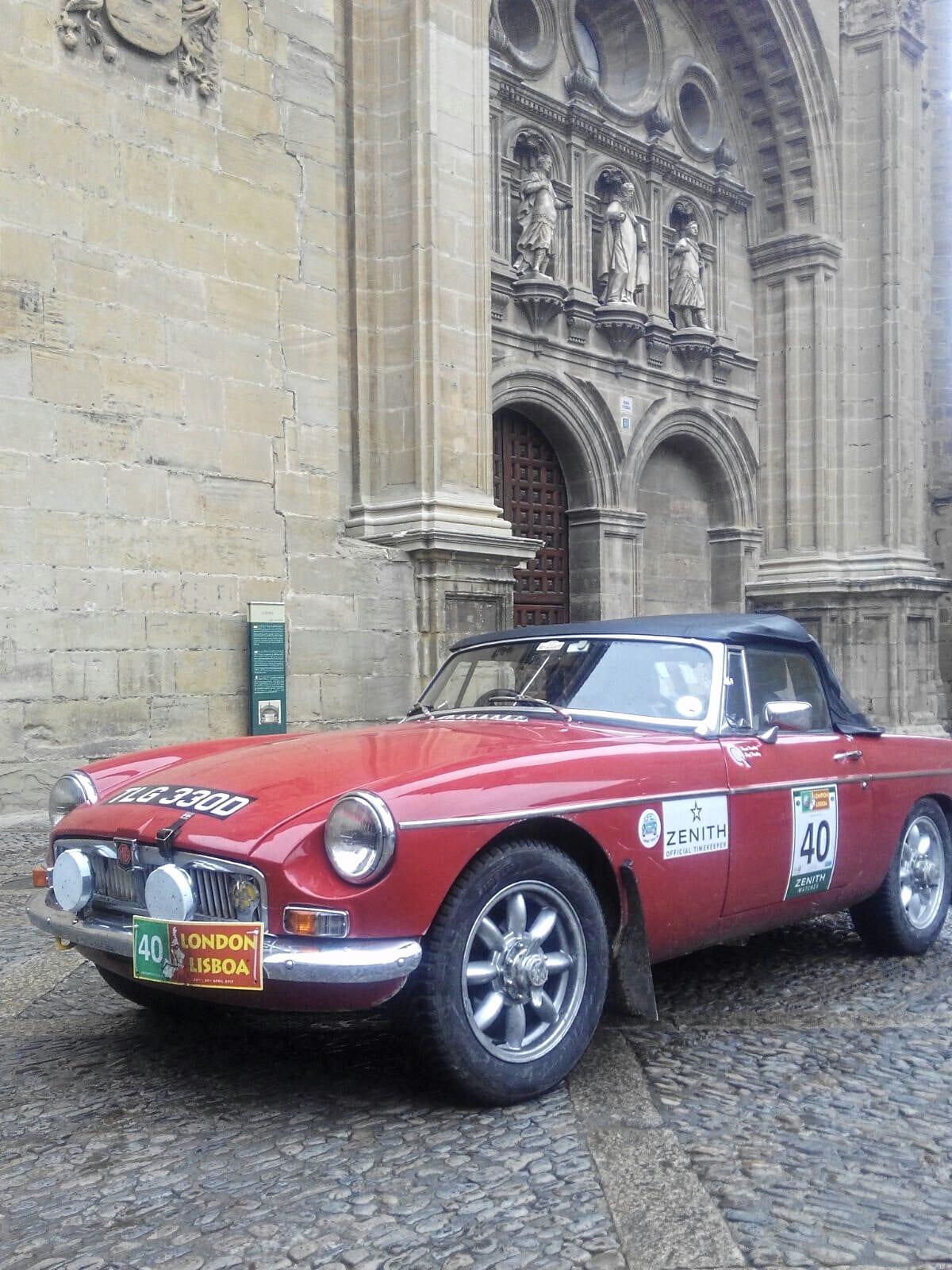 La prueba de coches clásicos Londres-Lisboa llega a Santo Domingo de La Calzada 17