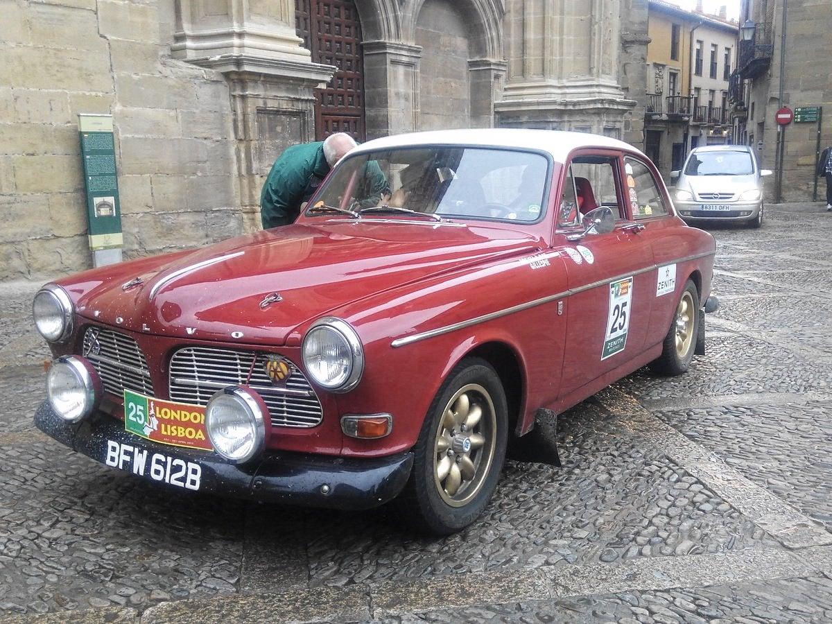 La prueba de coches clásicos Londres-Lisboa llega a Santo Domingo de La Calzada 2