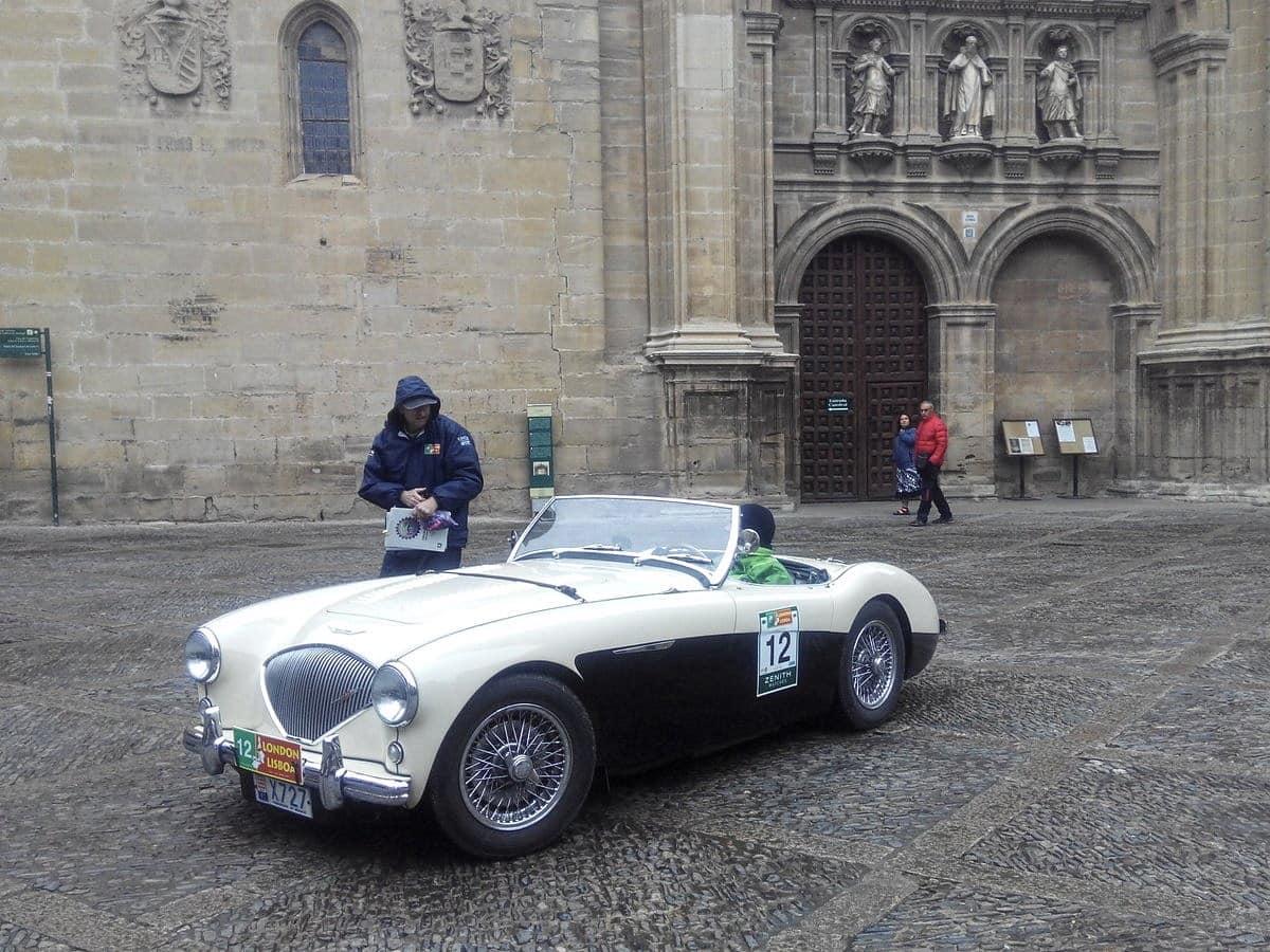 La prueba de coches clásicos Londres-Lisboa llega a Santo Domingo de La Calzada 8