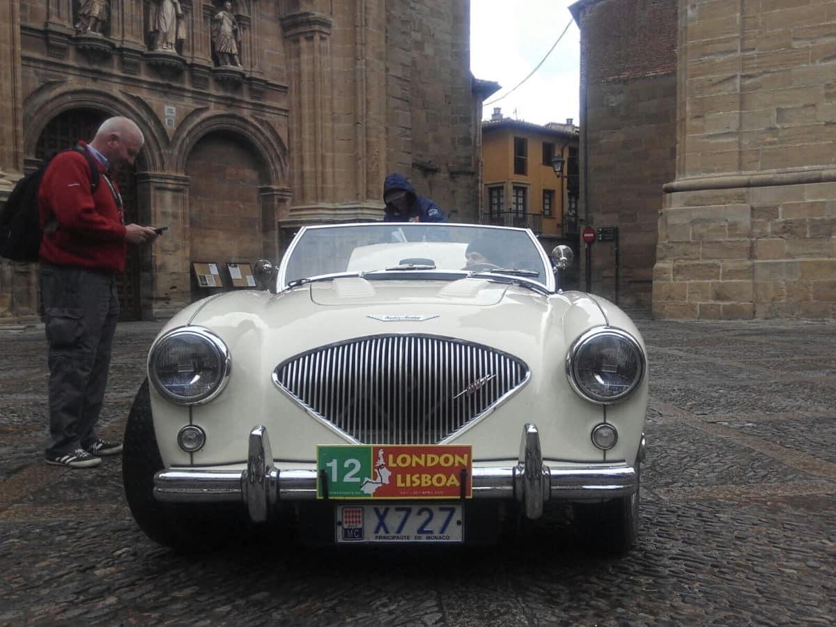 La prueba de coches clásicos Londres-Lisboa llega a Santo Domingo de La Calzada 14
