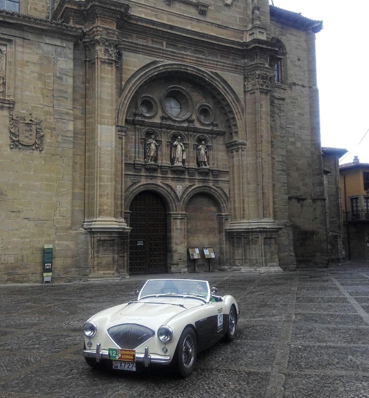 La prueba de coches clásicos Londres-Lisboa llega a Santo Domingo de La Calzada 16