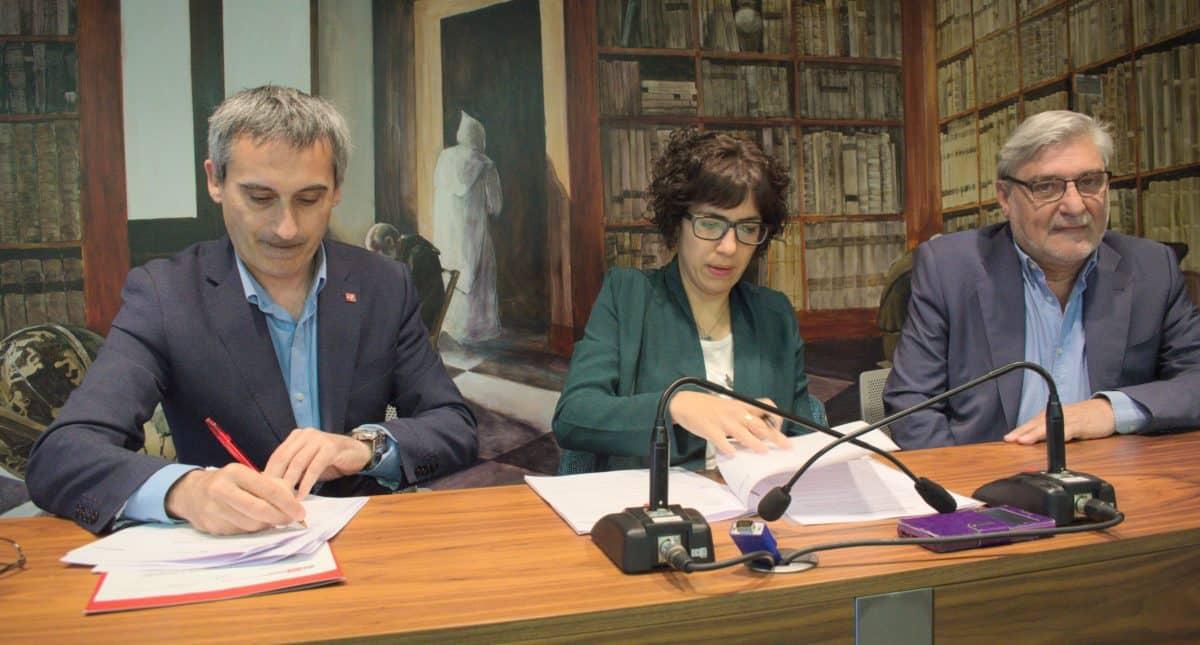 La UR y el Ayuntamiento de Haro firman un acuerdo para un proyecto de investigación histórica 1