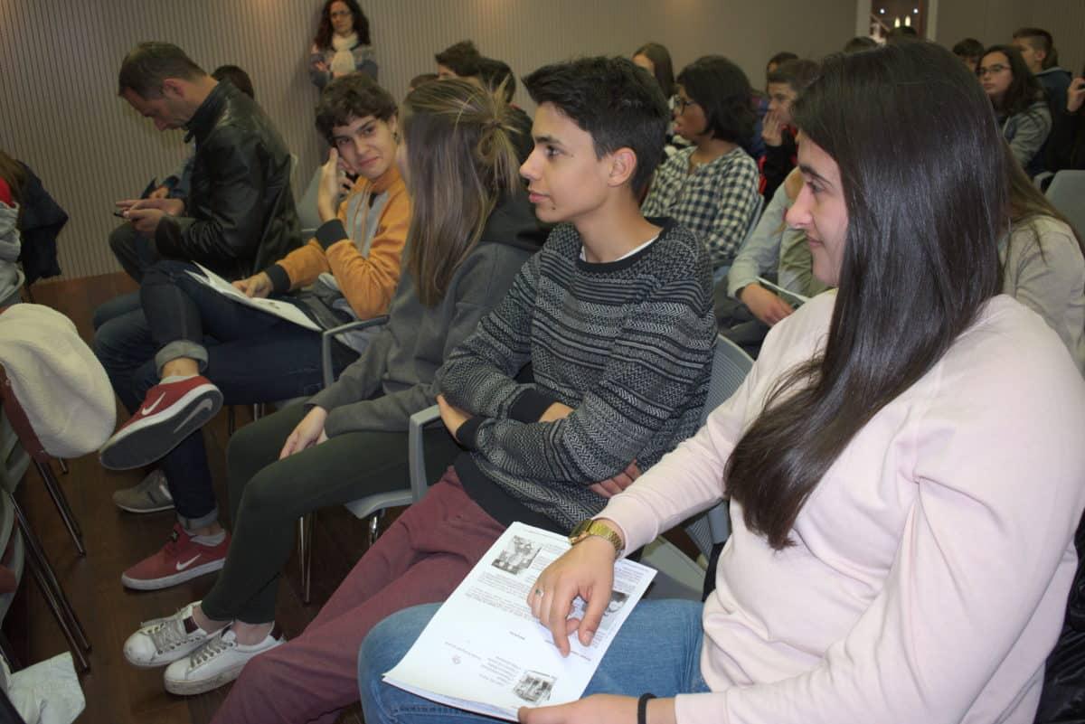 Las imágenes del encuentro de lectura compartida por alumnos de Corazonistas con motivo del Día del Libro 10