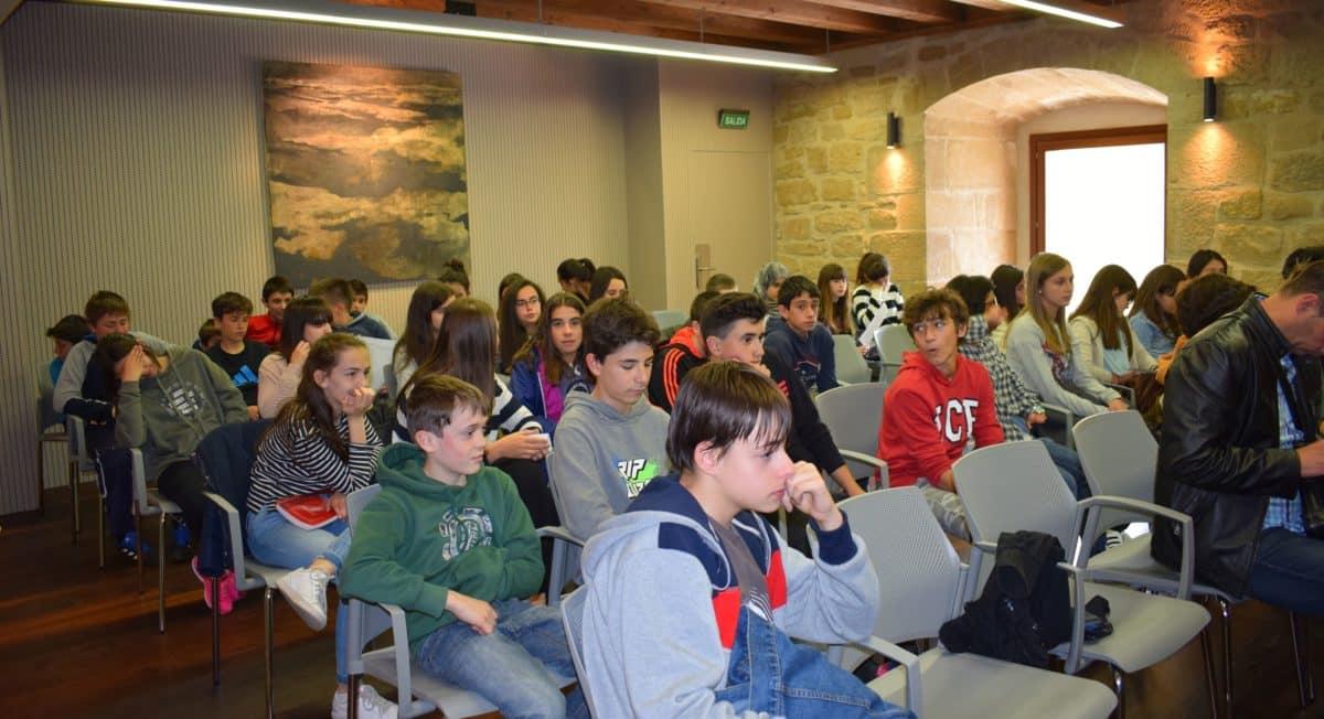 Las imágenes del encuentro de lectura compartida por alumnos de Corazonistas con motivo del Día del Libro 12