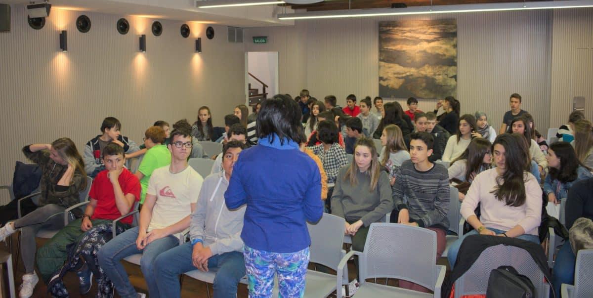 Las imágenes del encuentro de lectura compartida por alumnos de Corazonistas con motivo del Día del Libro 3