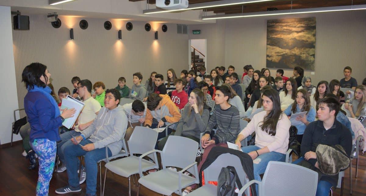 Las imágenes del encuentro de lectura compartida por alumnos de Corazonistas con motivo del Día del Libro 4