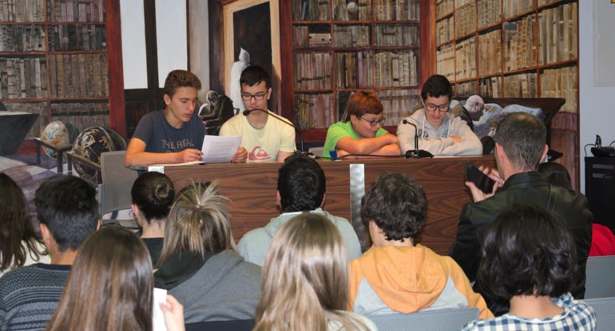 Las imágenes del encuentro de lectura compartida por alumnos de Corazonistas con motivo del Día del Libro 9