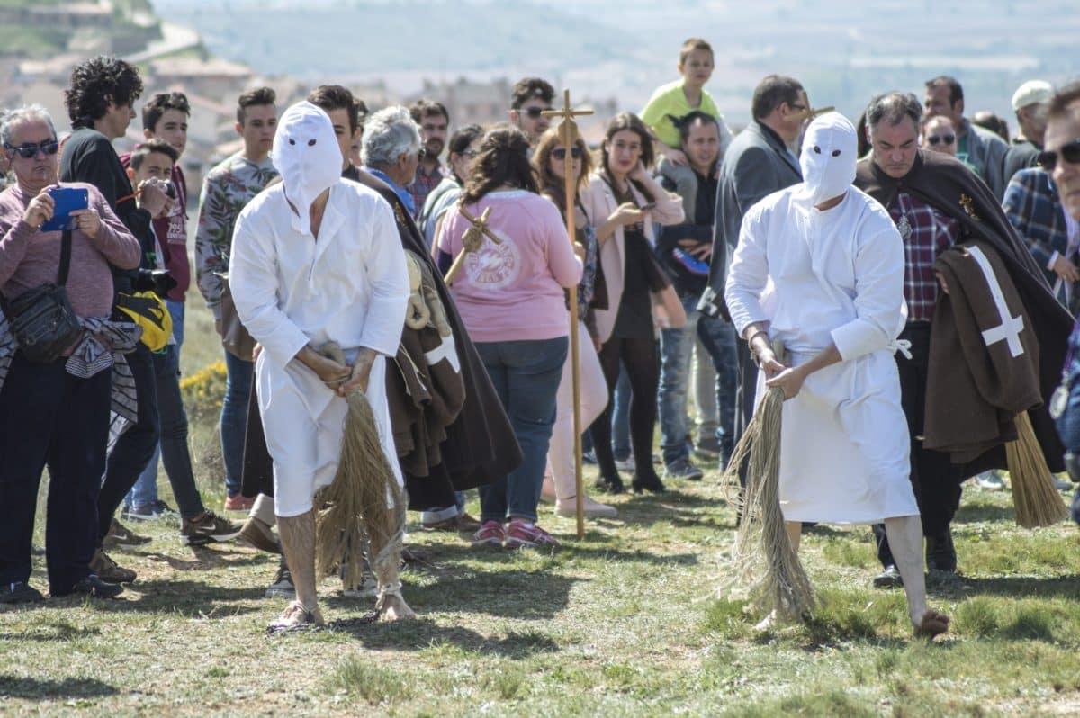 Los 'Picaos' en la procesión del Vía Crucis de San Vicente de la Sonsierra 27