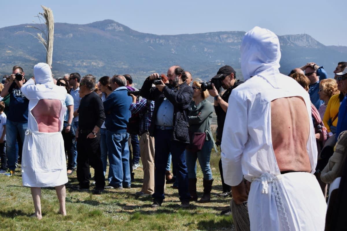 Los 'Picaos' en la procesión del Vía Crucis de San Vicente de la Sonsierra 16