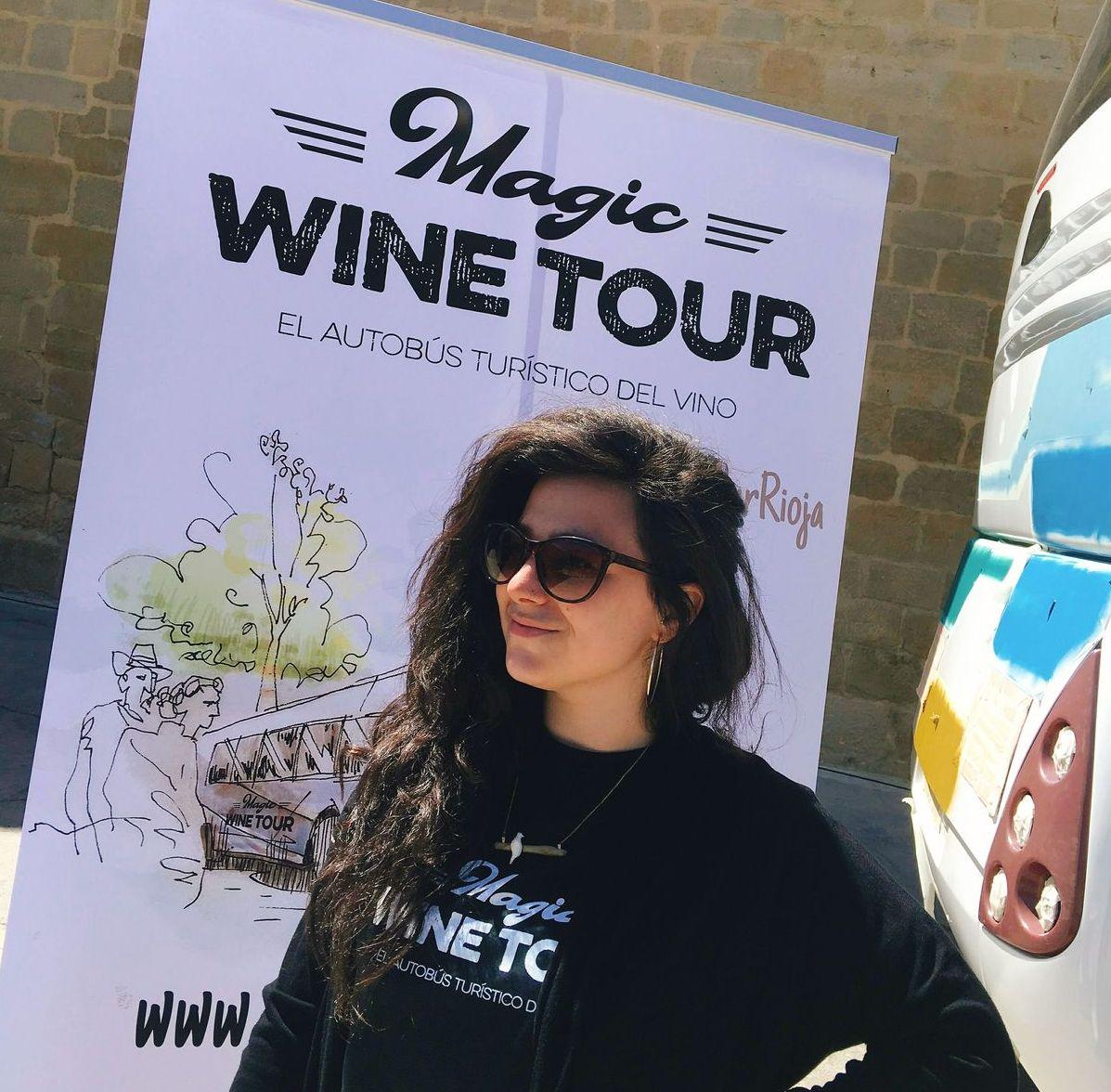 Pintura en directo para presentar en Haro la ruta turística 'Magic Wine Tour' 1