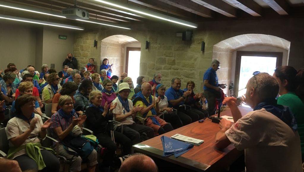 Casi un centenar de peregrinos participan en el X Aniversario del albergue Ciudad de Haro 1