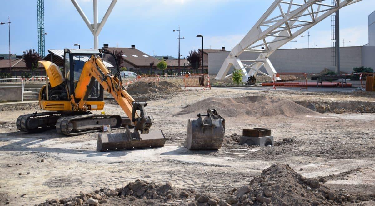En marcha la construcción de las nuevas pistas cubiertas de pádel de El Mazo 1