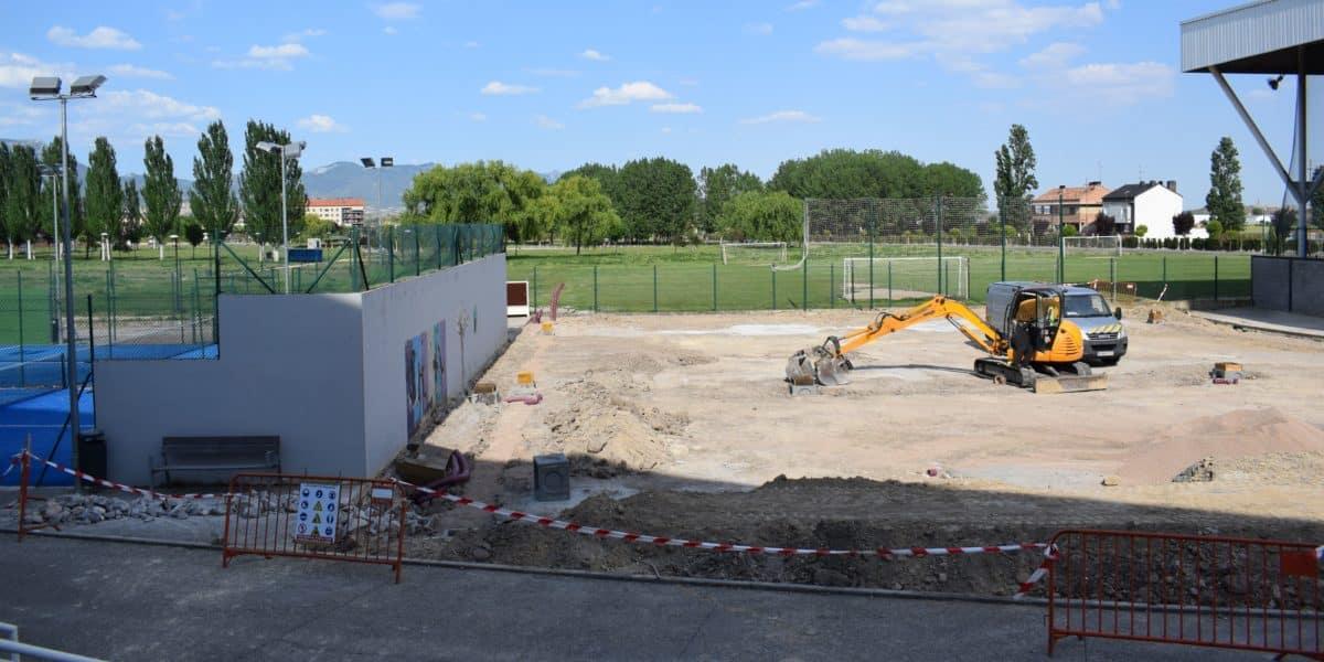 En marcha la construcción de las nuevas pistas cubiertas de pádel de El Mazo 2