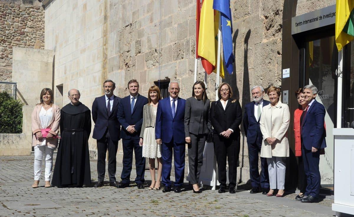 La reina Letizia pide un lenguaje claro y riguroso en el periodismo y ámbito público 1