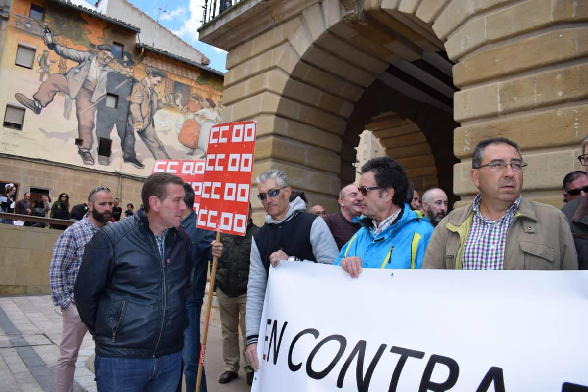 Las imágenes de la concentración en contra de los despidos en Bodegas Bilbaínas 2