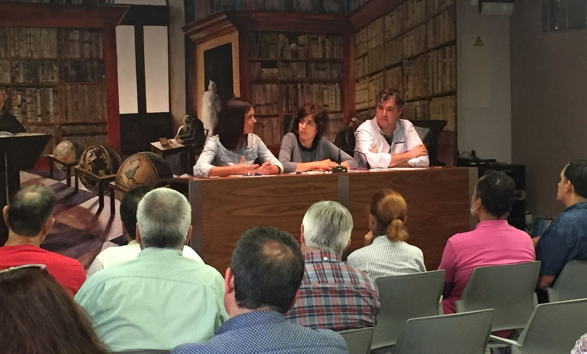 Un centenar de voluntarios muestran su apoyo a la comisión en defensa del paisaje del viñedo de Haro 3