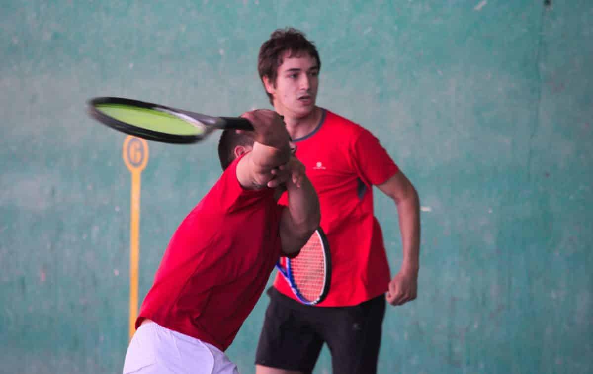 Asier Galarza y Javier Esparza, vencedores del XIX Campeonato de Frontenis Peña Iturri 14