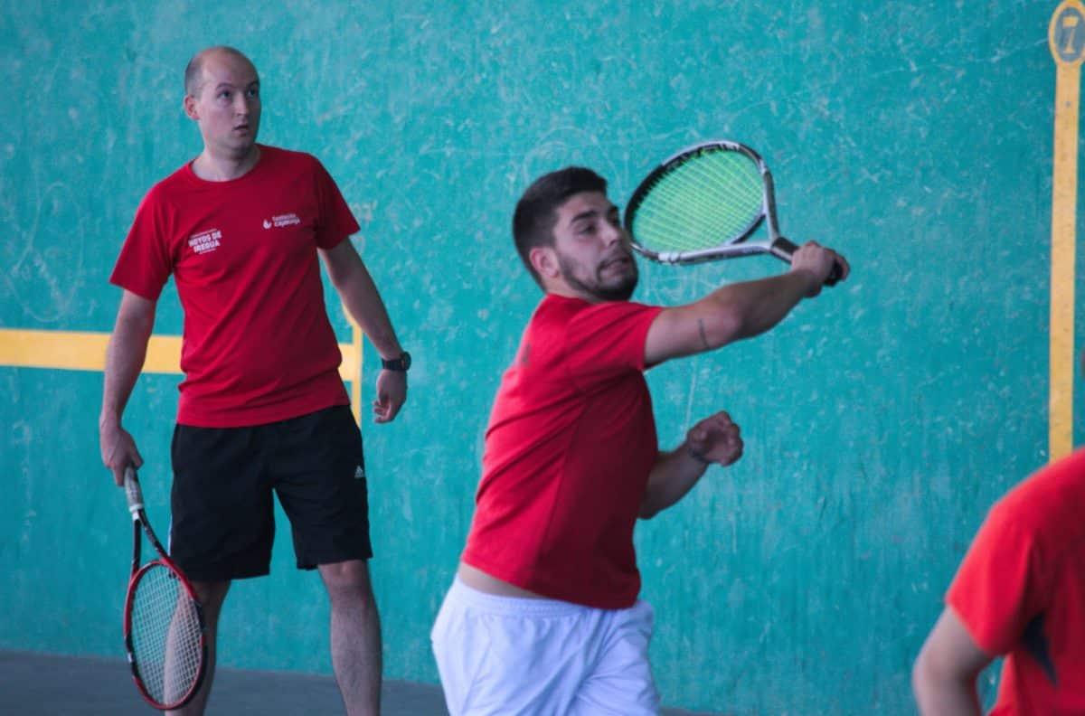 Asier Galarza y Javier Esparza, vencedores del XIX Campeonato de Frontenis Peña Iturri 16