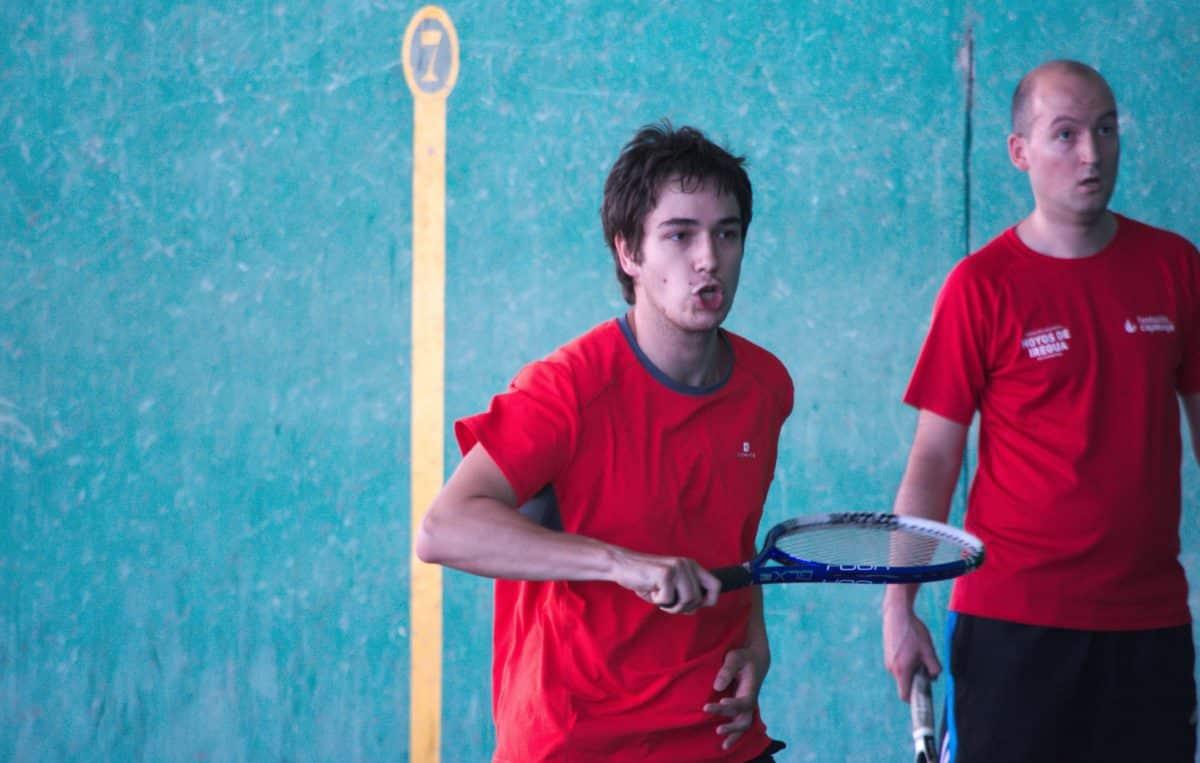 Asier Galarza y Javier Esparza, vencedores del XIX Campeonato de Frontenis Peña Iturri 18