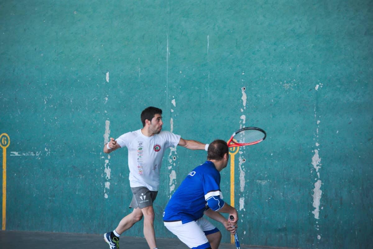Asier Galarza y Javier Esparza, vencedores del XIX Campeonato de Frontenis Peña Iturri 8