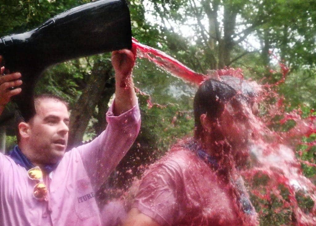 ¿Quieres que la Batalla del Vino sea declarada Fiesta de Interés Turístico Internacional? 1