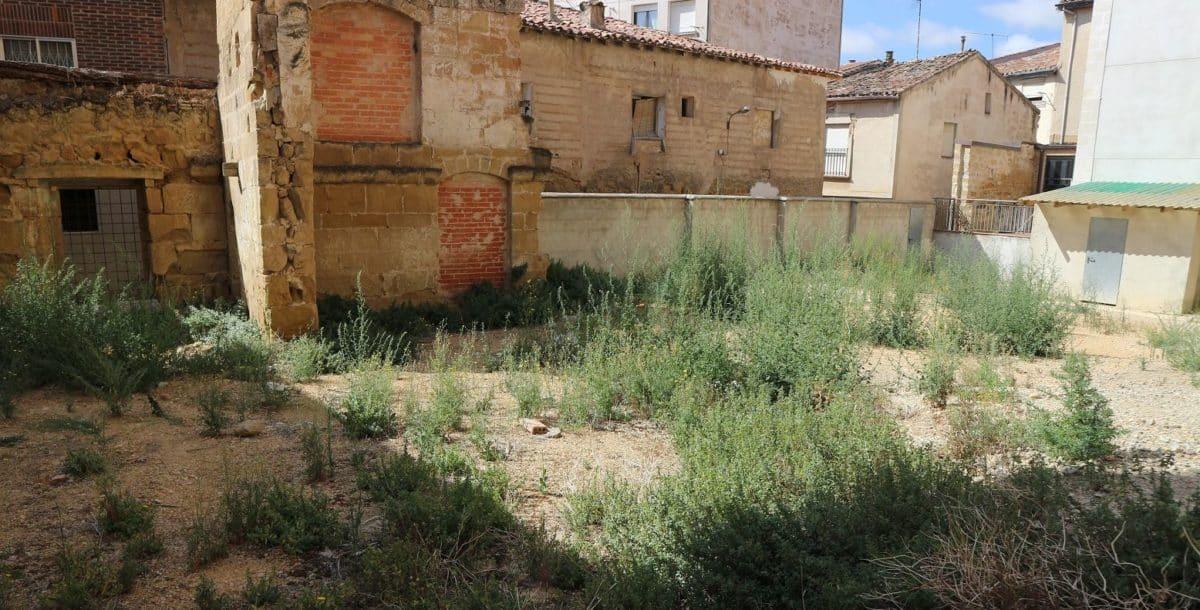 El Ayuntamiento de Haro habilitará un nuevo aparcamiento en la calle Santiago 2