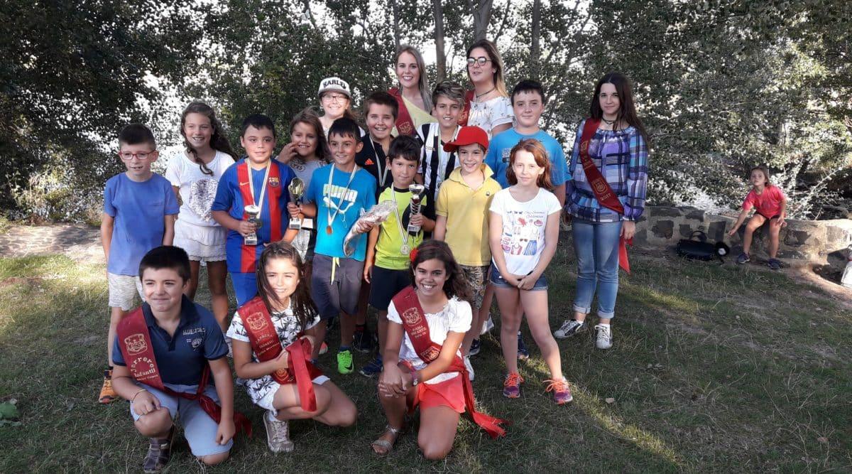 Casi 40 niños participan en los Concursos de Pesca de la Sociedad Riojalteña de Caza y Pesca 1