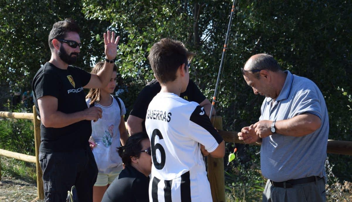 Casi 40 niños participan en los Concursos de Pesca de la Sociedad Riojalteña de Caza y Pesca 11