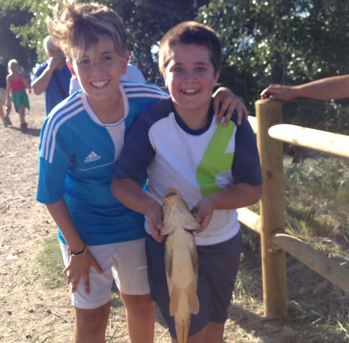 Casi 40 niños participan en los Concursos de Pesca de la Sociedad Riojalteña de Caza y Pesca 14