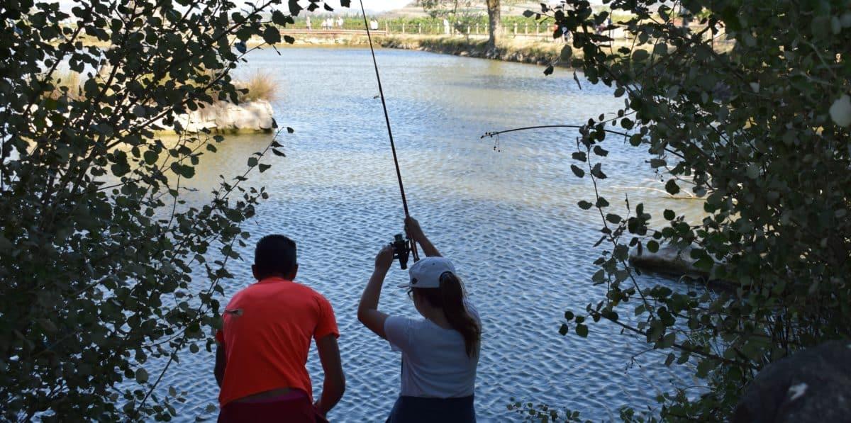 Casi 40 niños participan en los Concursos de Pesca de la Sociedad Riojalteña de Caza y Pesca 5