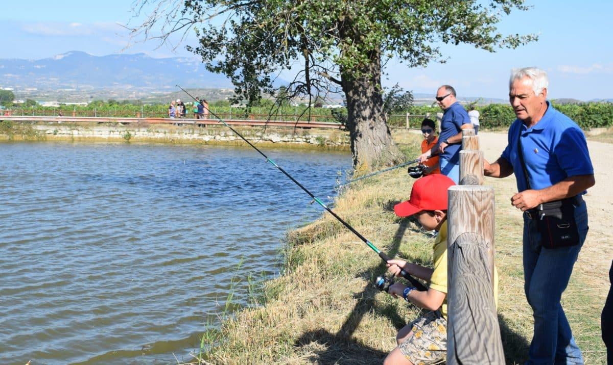 Casi 40 niños participan en los Concursos de Pesca de la Sociedad Riojalteña de Caza y Pesca 6