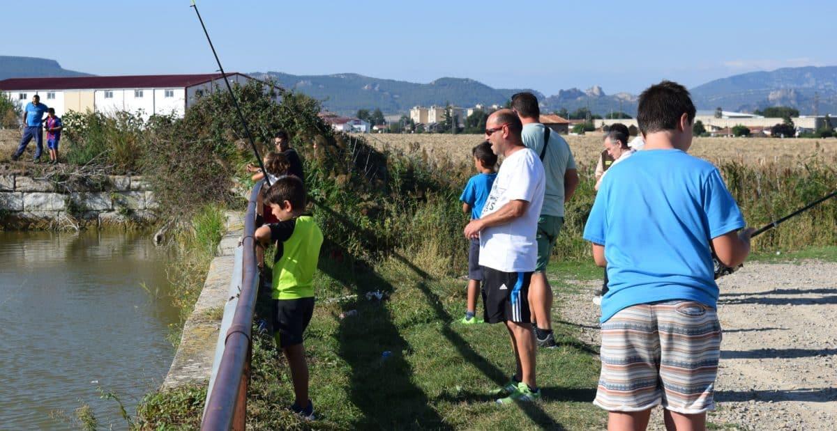 Casi 40 niños participan en los Concursos de Pesca de la Sociedad Riojalteña de Caza y Pesca 7
