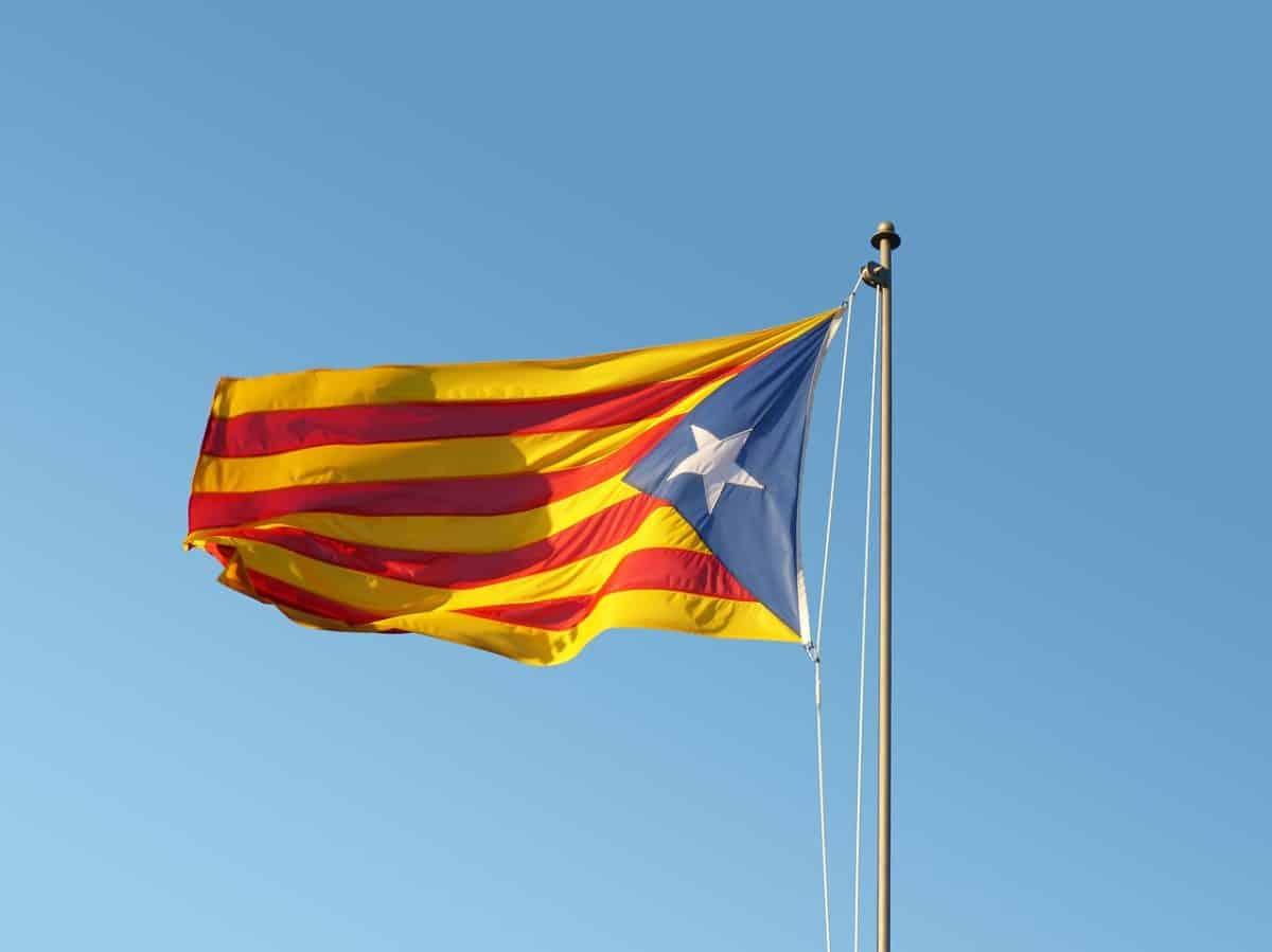 flag-2673580_1280