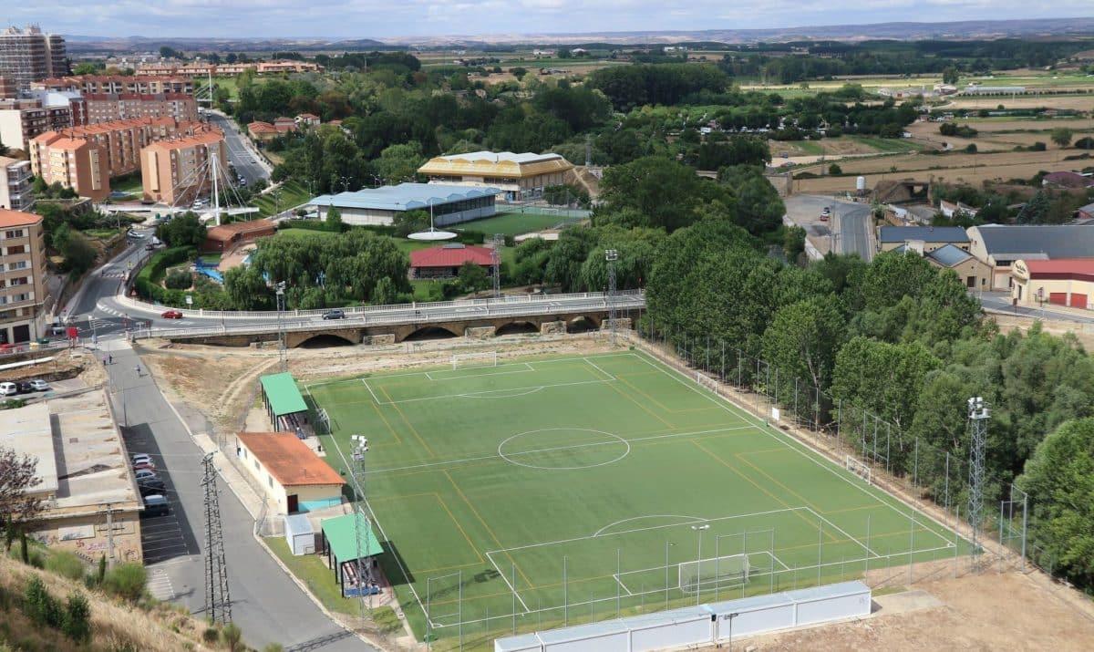 El Ayuntamiento de Haro firma el contrato con CEOSA para la construcción de los vestuarios de El Ferial 1