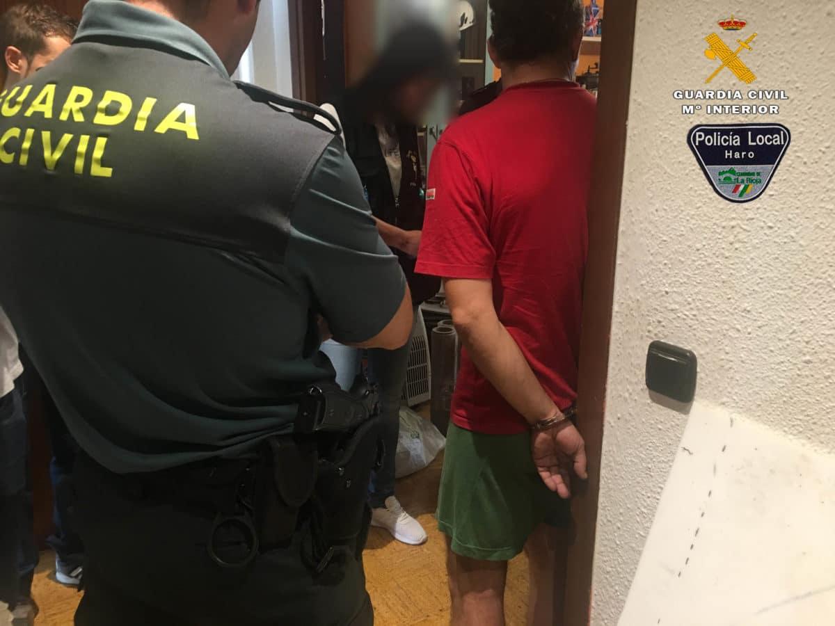 Guardia Civil y Policía Local desmantelan en Haro un nuevo punto de venta de sustancias estupefacientes 2